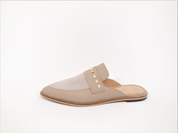 Slipper beige studs